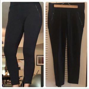 ANN TAYLOR black leggings size M